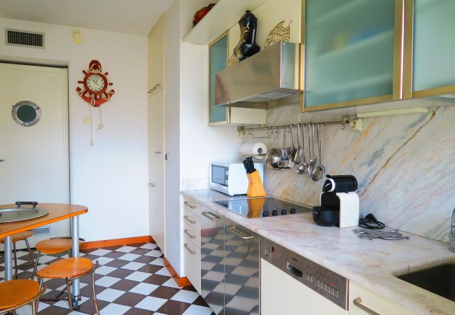 Apartment in Nice - N&J - LE BATEAU DU ROYAL LUXEMBOURG - Central - Sea front