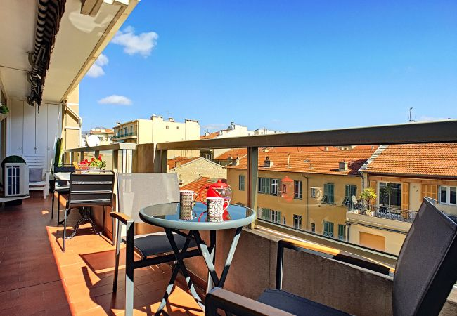 Apartment in Nice - New! N&J - LA NISSARDE TERRASSE - Sea glimpse - Central - By sea
