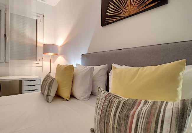 Apartment in Nice - New! N&J  - BEETHOVEN - Central - Residental area