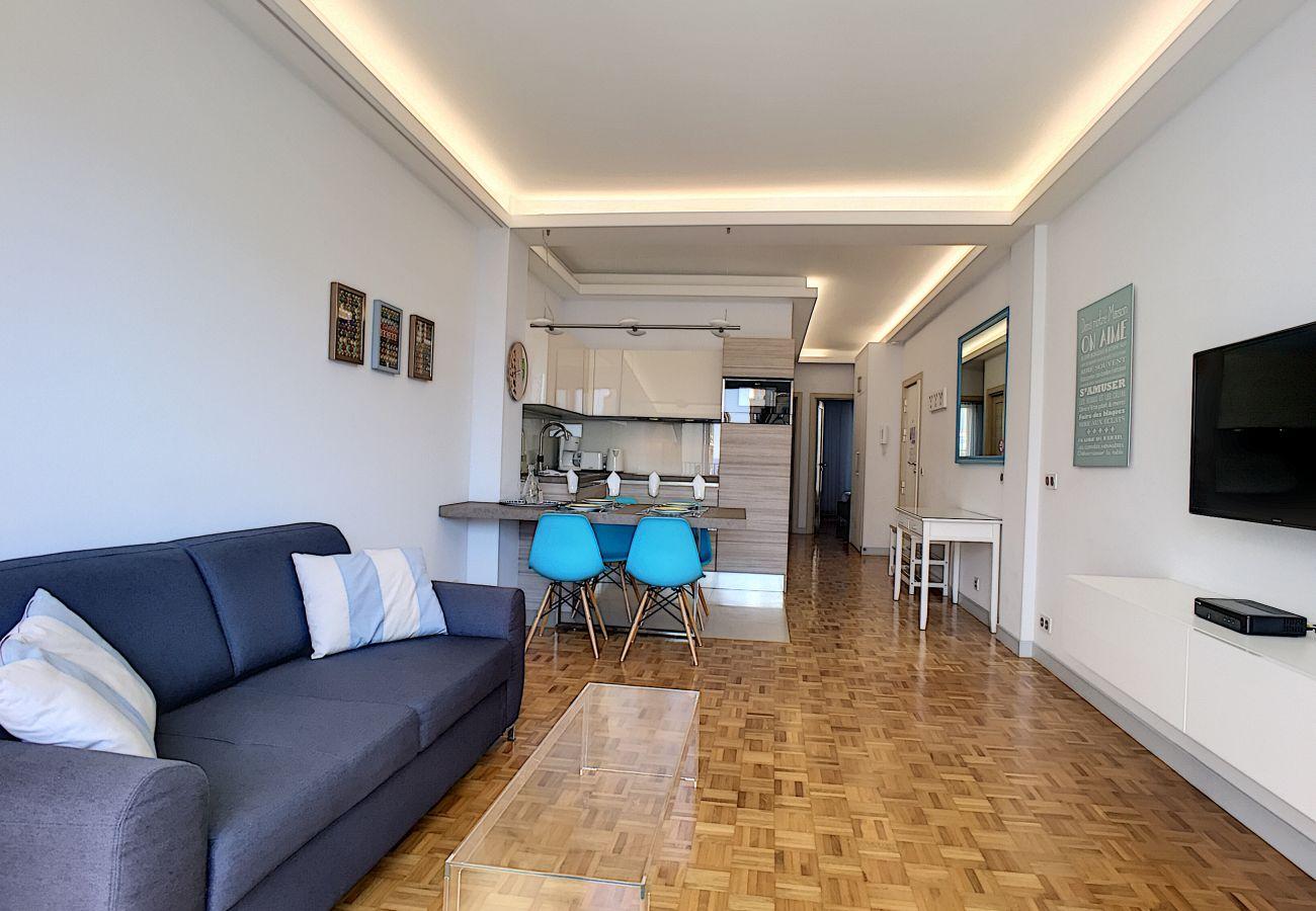 Appartement à Nice - N&J - BLEU AZUR VUE MER - Central - Très proche Mer