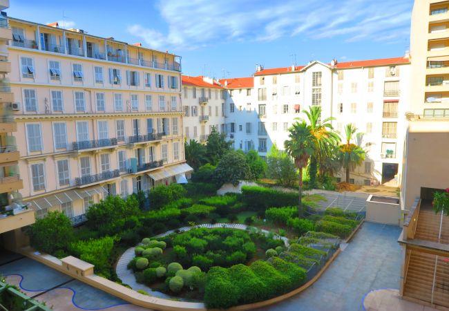 Appartement à Nice - A&P - PALAIS MEDITERRANEE TERRASSE