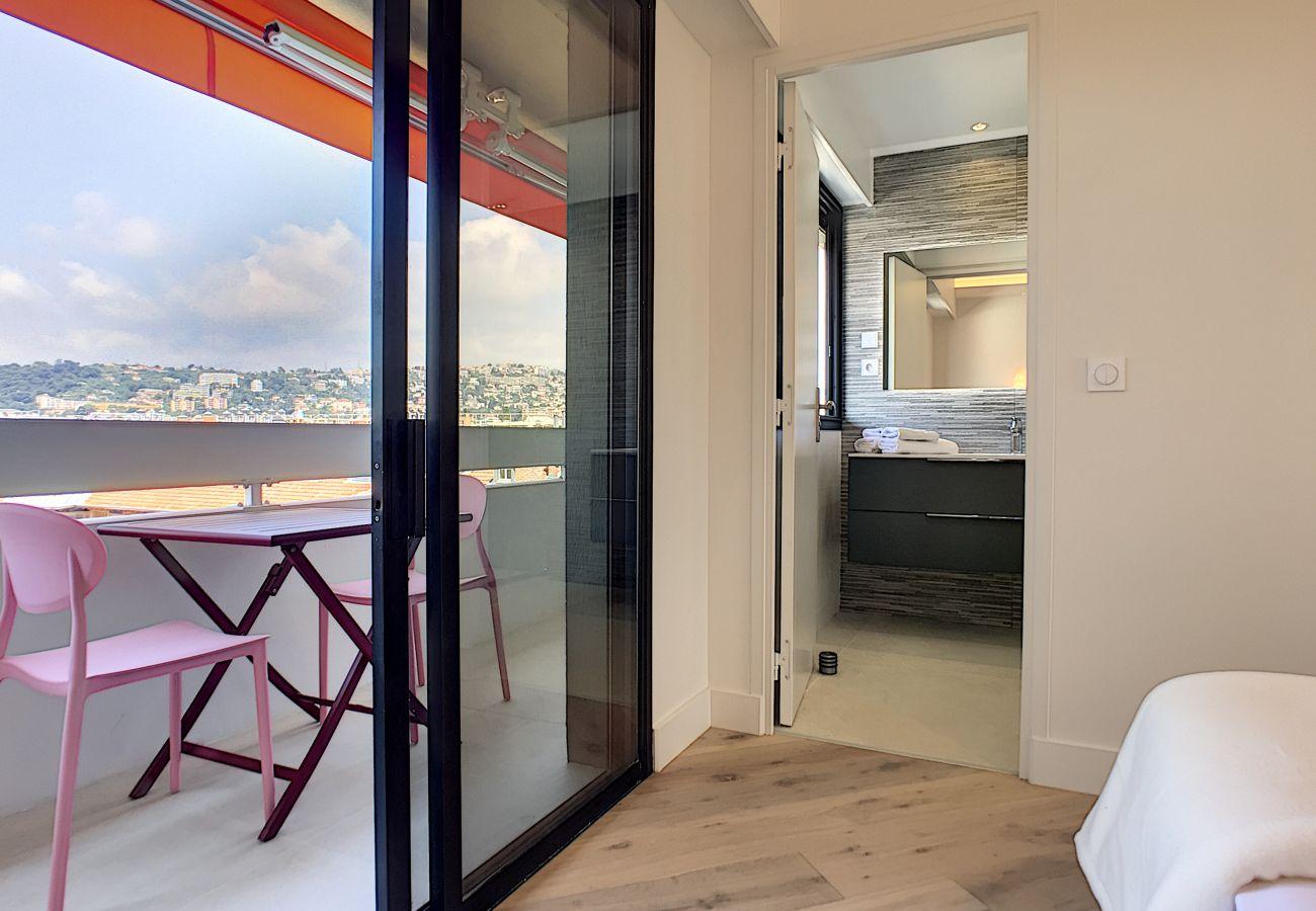 Appartement à Nice - N&J  - SKY LIGHT TERRACE - Central - Dernier étage - Proche mer