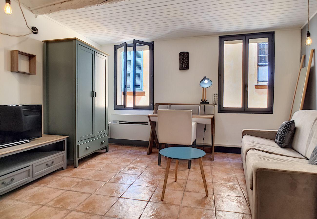 Studio à Nice - N&J  - OTENTIK - Vieux Nice - Proche mer