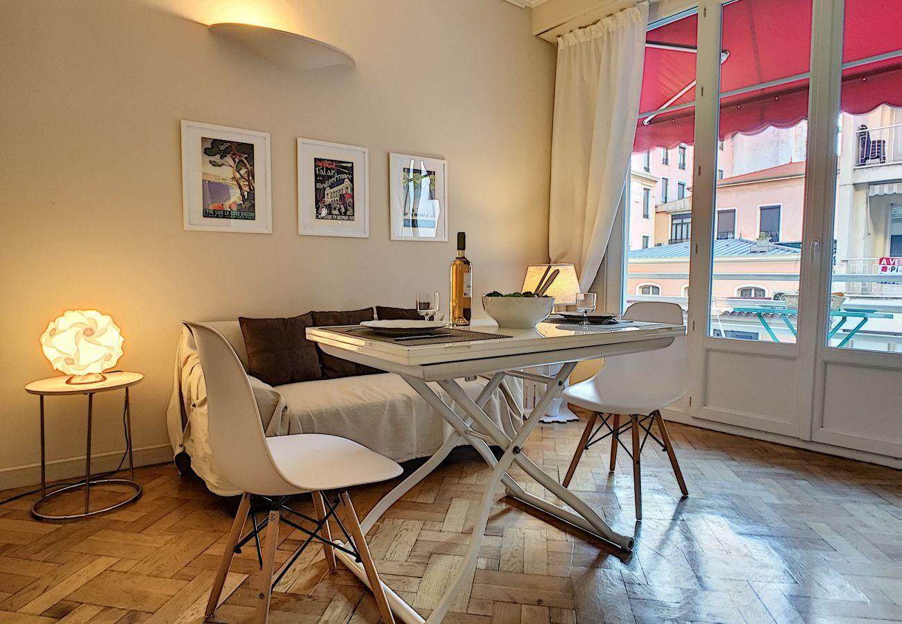Studio à Nice - N&J  - TROIS PALMIERS - Carré d'Or - Très proche mer