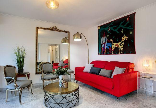 Appartement à Nice - Nouveau! N&J  - LA NISSARDE TERRASSE - Aperçu mer - Central - Très proche mer