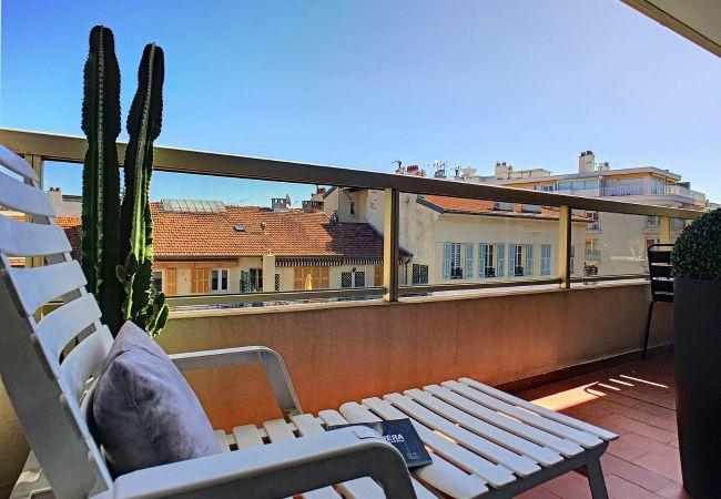 Appartement à Nice - N&J  - LA NISSARDE TERRASSE - Aperçu mer - Central - Très proche mer