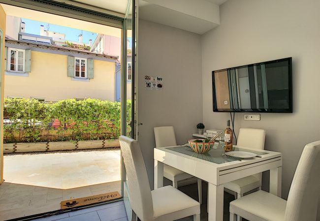 Appartement à Nice - N&J - HOLIDAY VIBES - Parking gratuit - Très proche plages