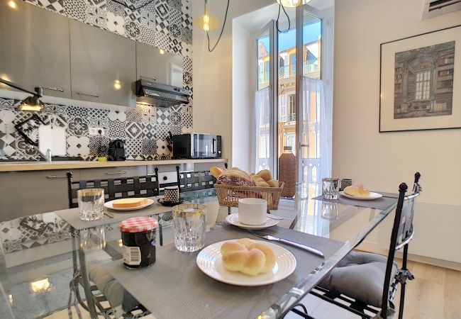 Appartement à Nice - Nouveau! N&J  - VEGA GIOFFREDO - Hyper centre - Proche mer et Vieux Nice