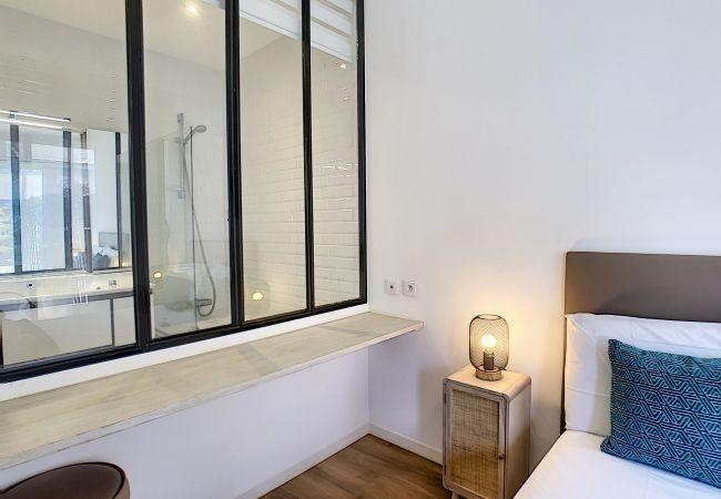 Appartement à Nice - Nouveau! N&J  - REINE MARIE TERRASSE - Central - Très proche mer - Dernier étage