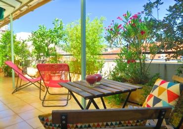 location appartement meubl nice pour les vacances au mois ashley and parker. Black Bedroom Furniture Sets. Home Design Ideas